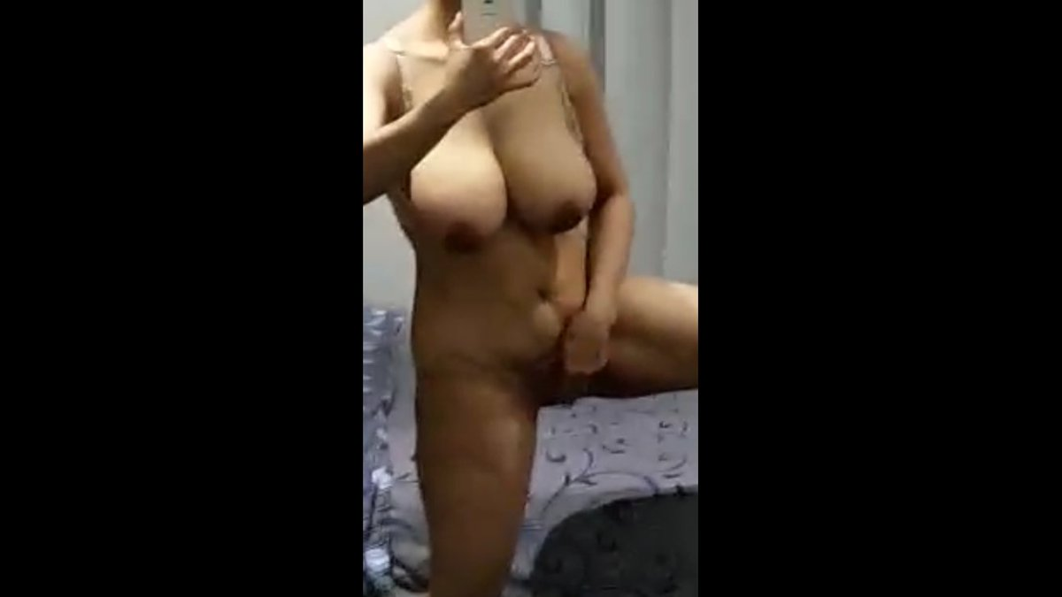 Nude Selfie 6300