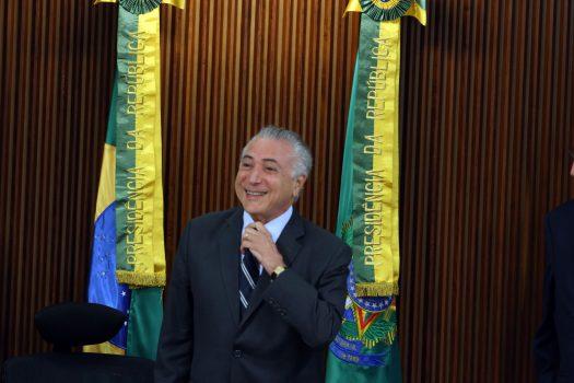 URGENTE: 'Pro Michel eu dei', diz delator Sérgio Machado: https://t.co/uWTIhT3daV