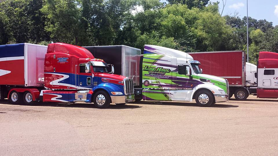Company Drivers Zach Hoefs and Tim Morey in Jackson, Mississippi! #lhttrucksrock