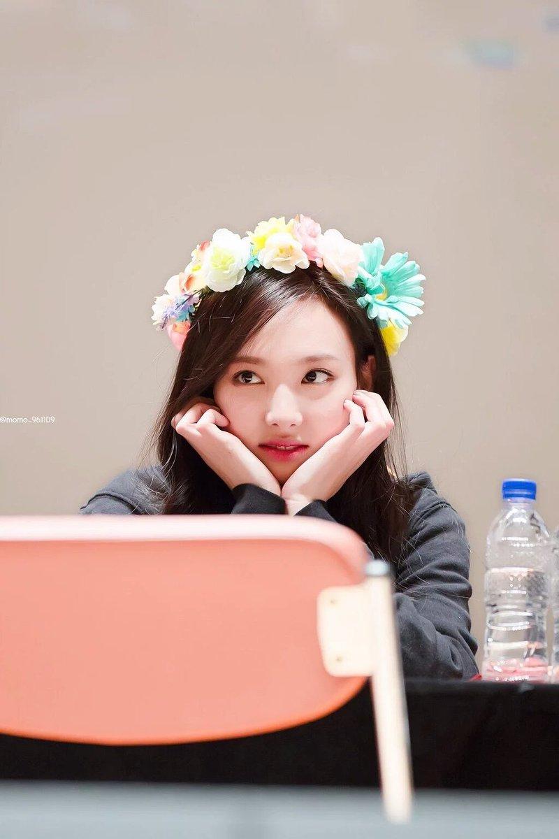 Nat on twitter dahyun in a flower crown nayeon in a flower crown picittertswpfk2ups izmirmasajfo Gallery