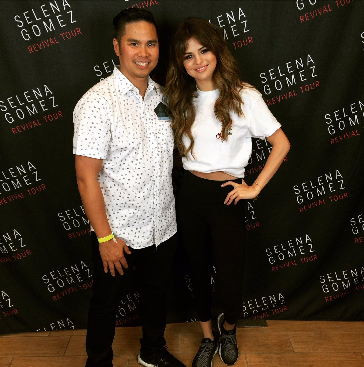After all these years finally get to meet @selenagomez #selenagomez #selenators #revivaltour https://t.co/CxcE28Uiii