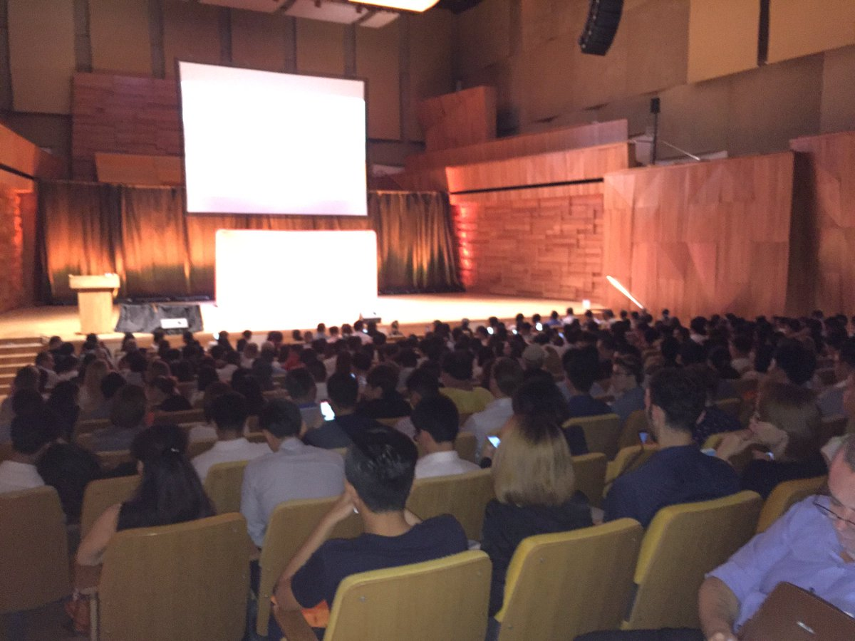Kicking off Grow with HubSpot Singapore! 500 marketers getting ready for Inbound! #growwithhubspot @ryanbonnici https://t.co/VWpJWBjosv
