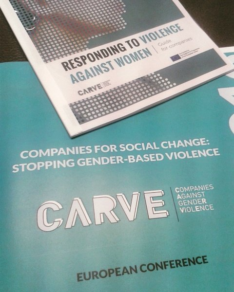 "This is it! Presentation of the guide for companies ""responding to #VAW"" #CARVEdaphne https://t.co/lcqa4hhG4p"