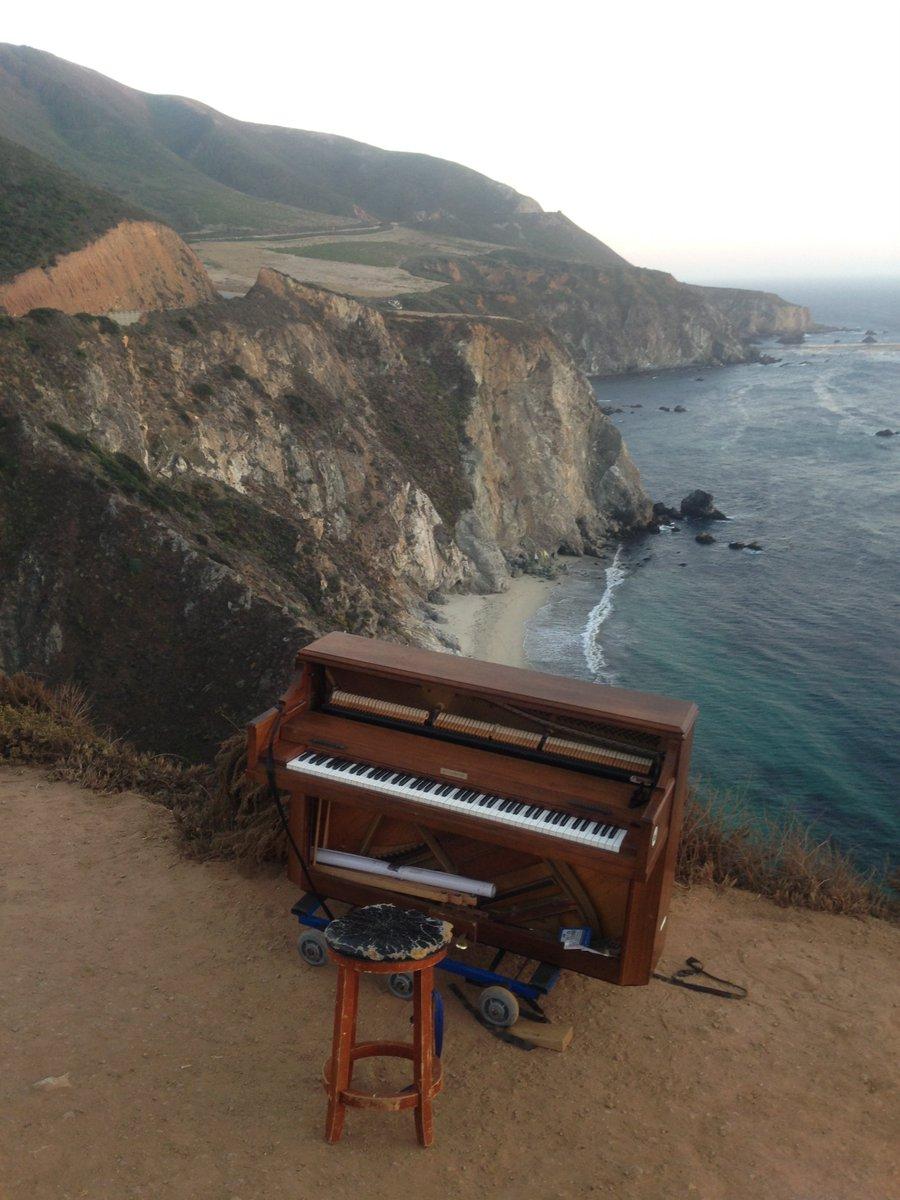 This is a great shot of my piano at Big Sur. Sunsets and Piano! https://t.co/itunfeJngT