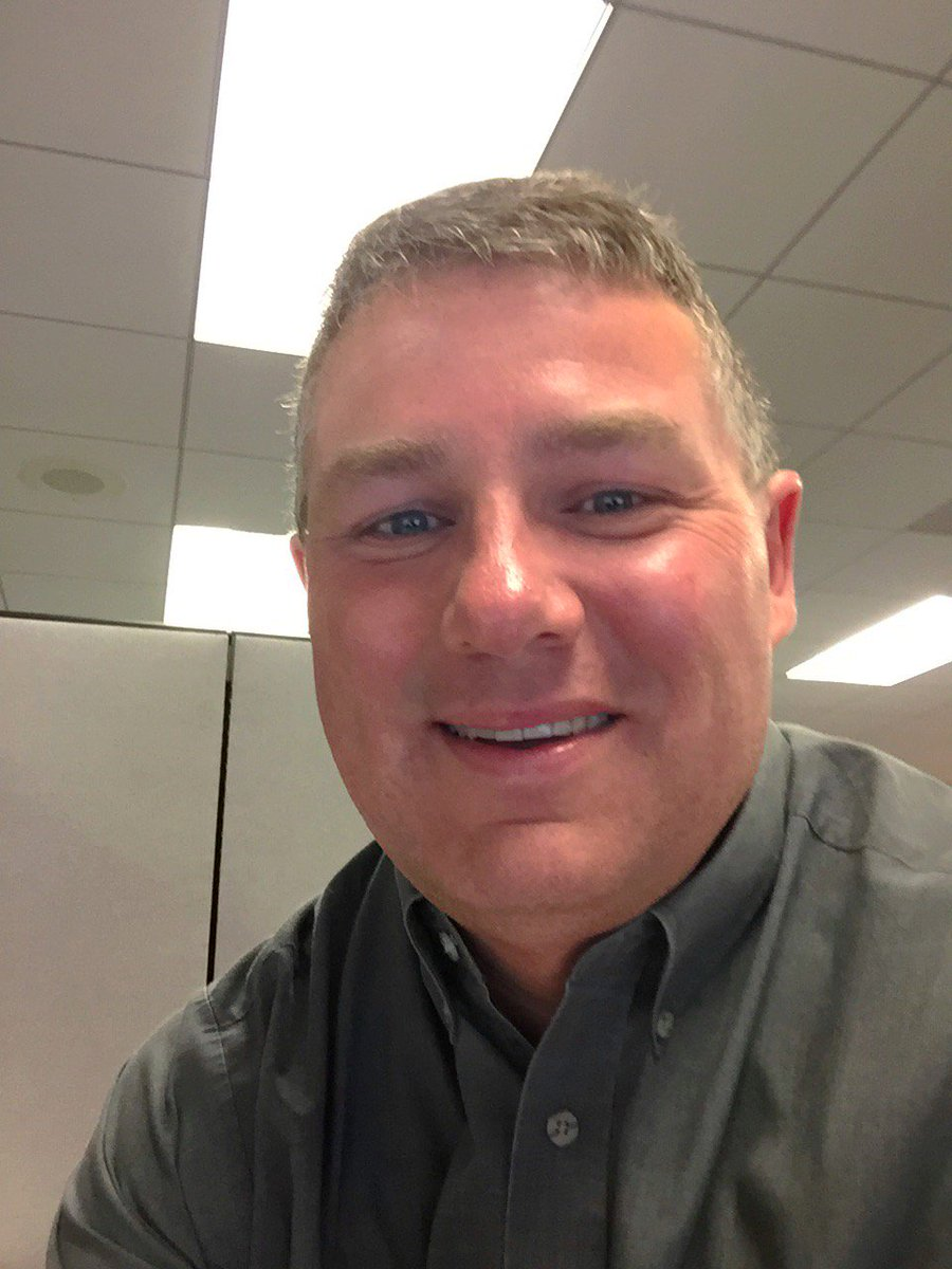 48 year old gay male pharma engineer. I want to make life better for GLBTQA  people wherever I can. #queerselflovepic.twitter.com/z54YMPrZs2
