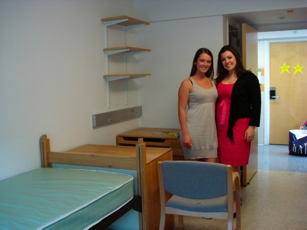 #TBT to moving out of Julie Hall with my forever roommate #alwaysasaint #JulieHallMemories @EmmanuelAlumni https://t.co/vCvOdiHvnW
