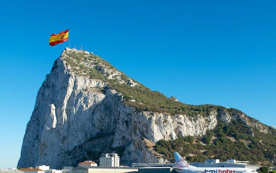 ¿Qué hacemos con Gibraltar? - Página 3 ClEOFYAWgAAXt4D