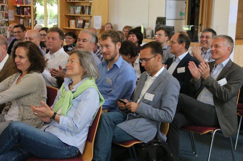 #Ausburg #theBox #25yearsEoC Week end su #misericordia #rapporti #business @bruniluis http://www.edc-online.org/it/home-it/eventi-internazionali/12034-ausburg-the-box-misercordia-rapporti-e-business.html…pic.twitter.com/H7U3yVNTVh