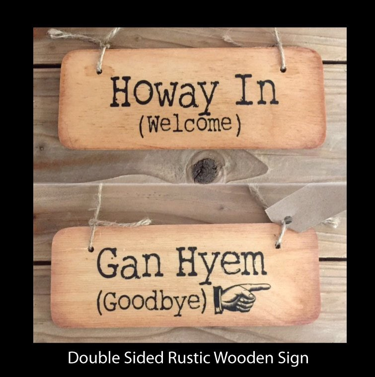 Our new double sided rustic sign is #deedlush even if we say so ourselves!! #geordiecards #geordiegifts #Geordiemugs https://t.co/1WT5VoJxL7