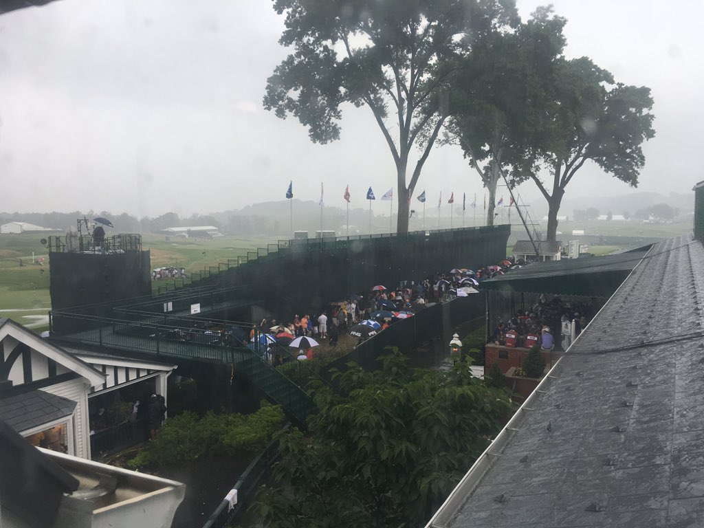 18th green is starting to flood. This could be hours. Feel sorry for the public. https://t.co/89g30PbcI4