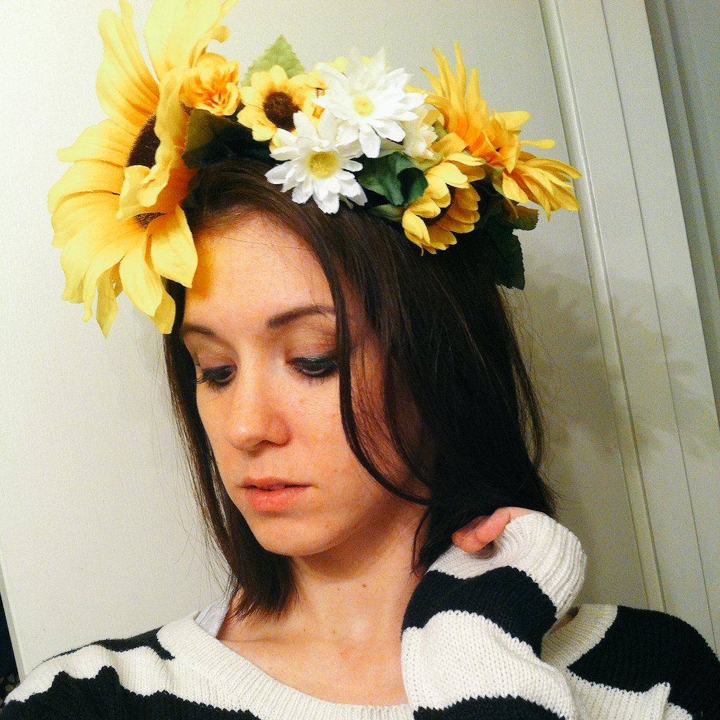 Jenny Gacy On Twitter Cant Focus Thinkin Bout This Flowercrown I