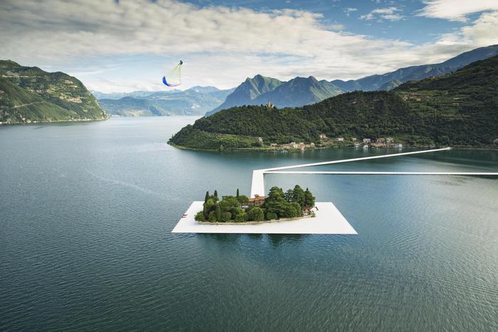 Passerelle di Christo sul lago d'Iseo: chiusura notturna?