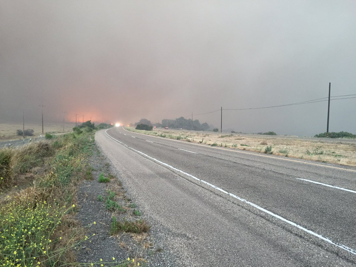 Hwy 101 closed sb at Mariposa Reina & nb at Winchester Canyon. #ScherpaFire #SherpaFire https://t.co/n9Xgnngz9F https://t.co/AojN2SO0XO