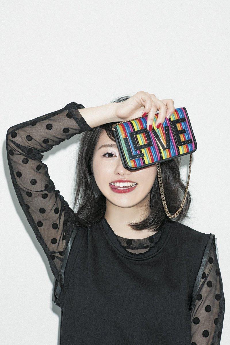 ファッションモデルの佐々木彩夏さん
