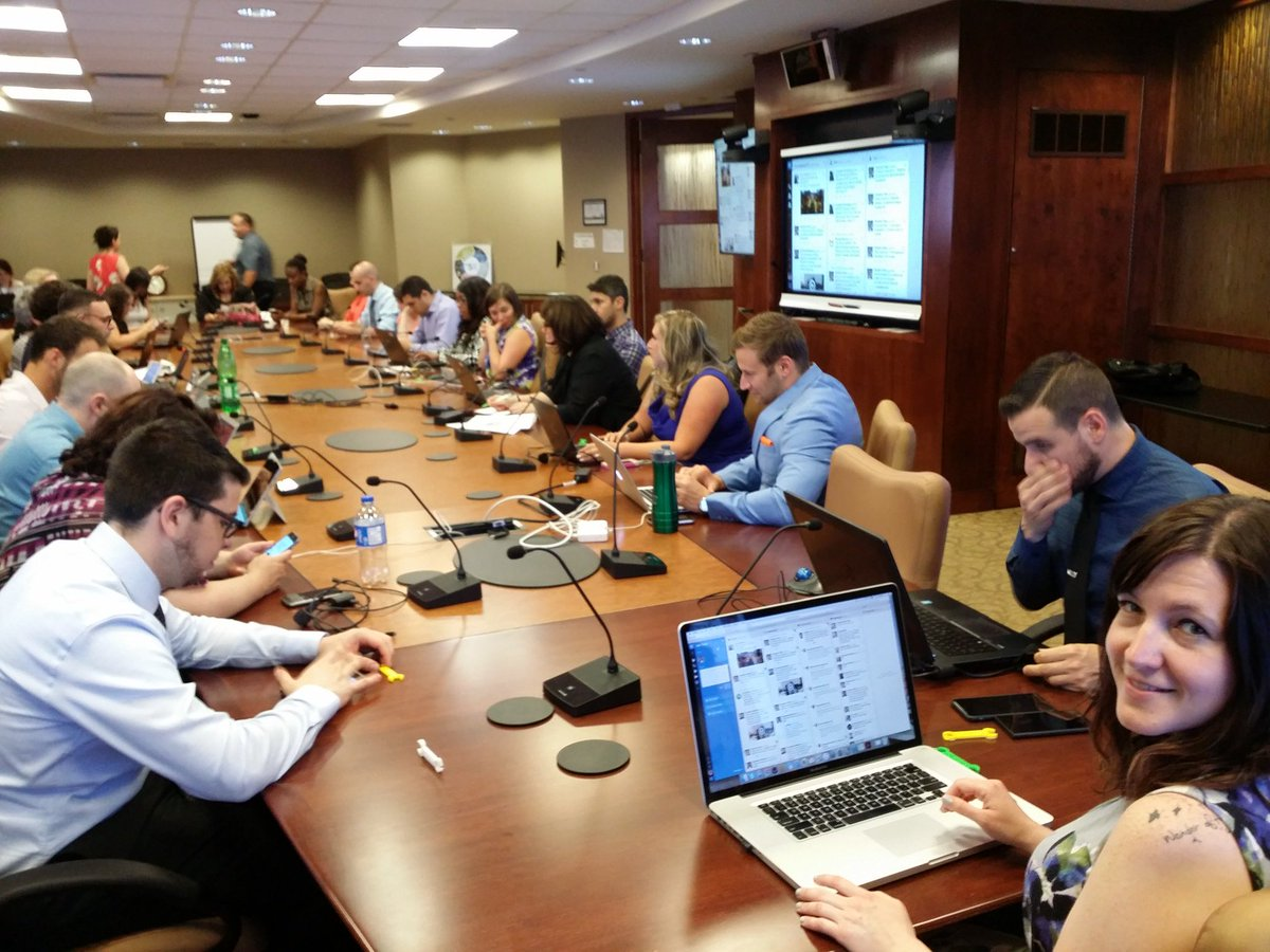 Full house here at #LeadersGC! Connecting with our regional collaborators over the phone. We're ready! @KineDonoghue https://t.co/XwwoFN4tfr
