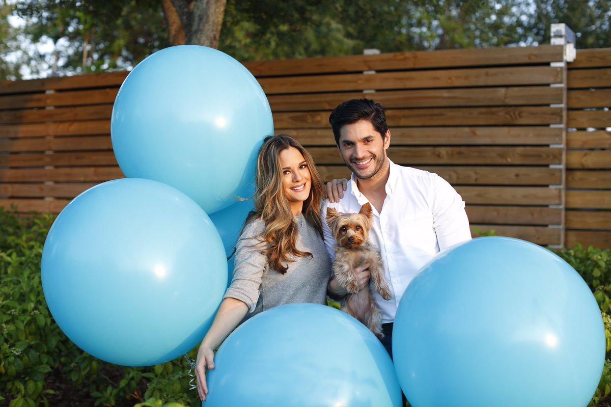 Con Mucha Felicidad les anunció q vamos a tener un Varón @seara_sabrina In Love con nuestro baby @lolaelbittarseara https://t.co/5tKnmuWE5q