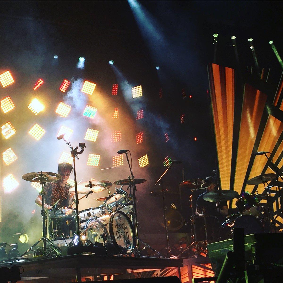 weezer and panic at the disco summer tour 2016 lakewood amphitheatre atlanta ga on 6 16. Black Bedroom Furniture Sets. Home Design Ideas