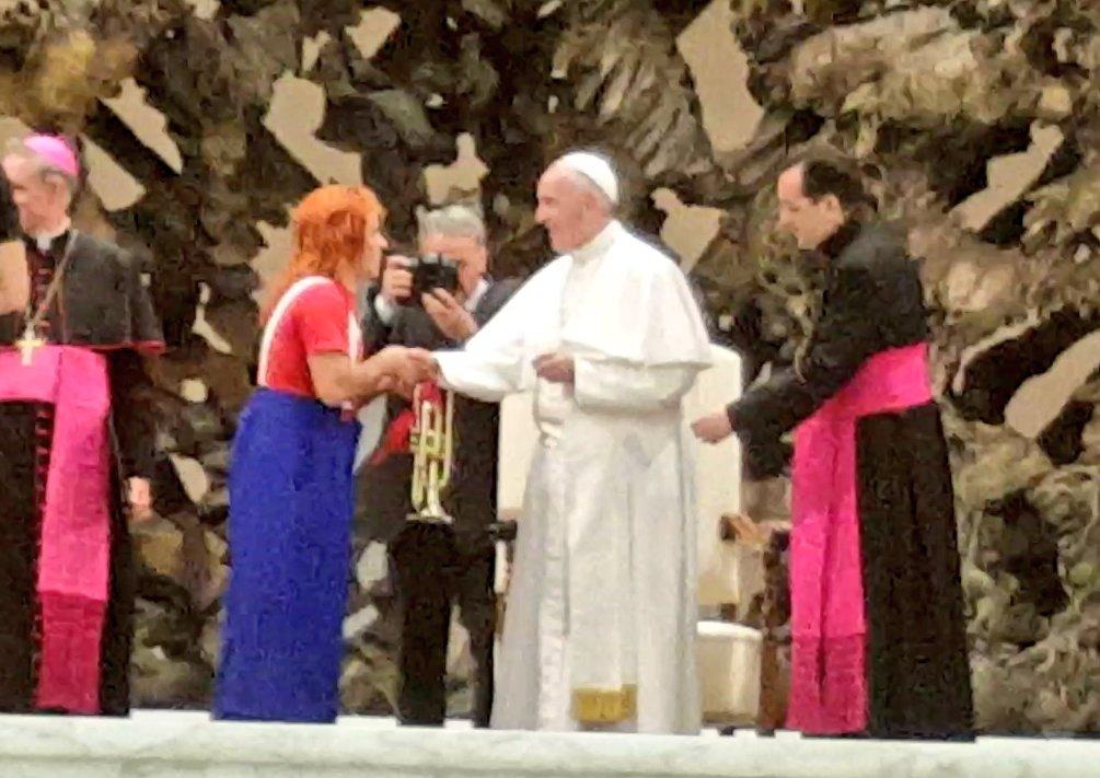 """Circo Pastelito y Tachuela Chico ar Twitter: """"Payaso Pastelito d Chile  actua al Papa Francisco en Vaticano @ahoranoticiasAN @JPQueralto  @tv_mauricio @Juan_Luis16… """""""