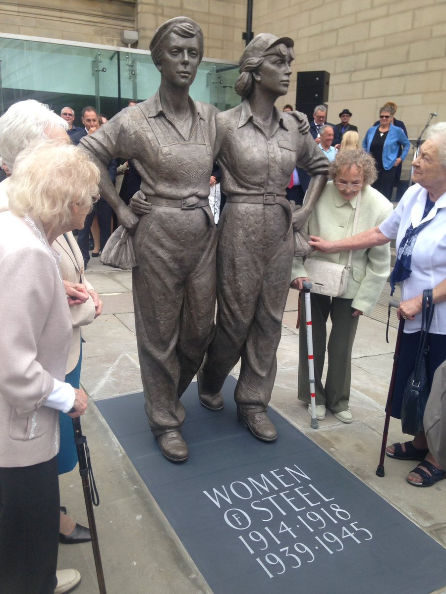 Sheffield's #WomenOfSteel alongside the new statue unveiled in their honour today - it's outside City Hall. https://t.co/aeK2P66INW