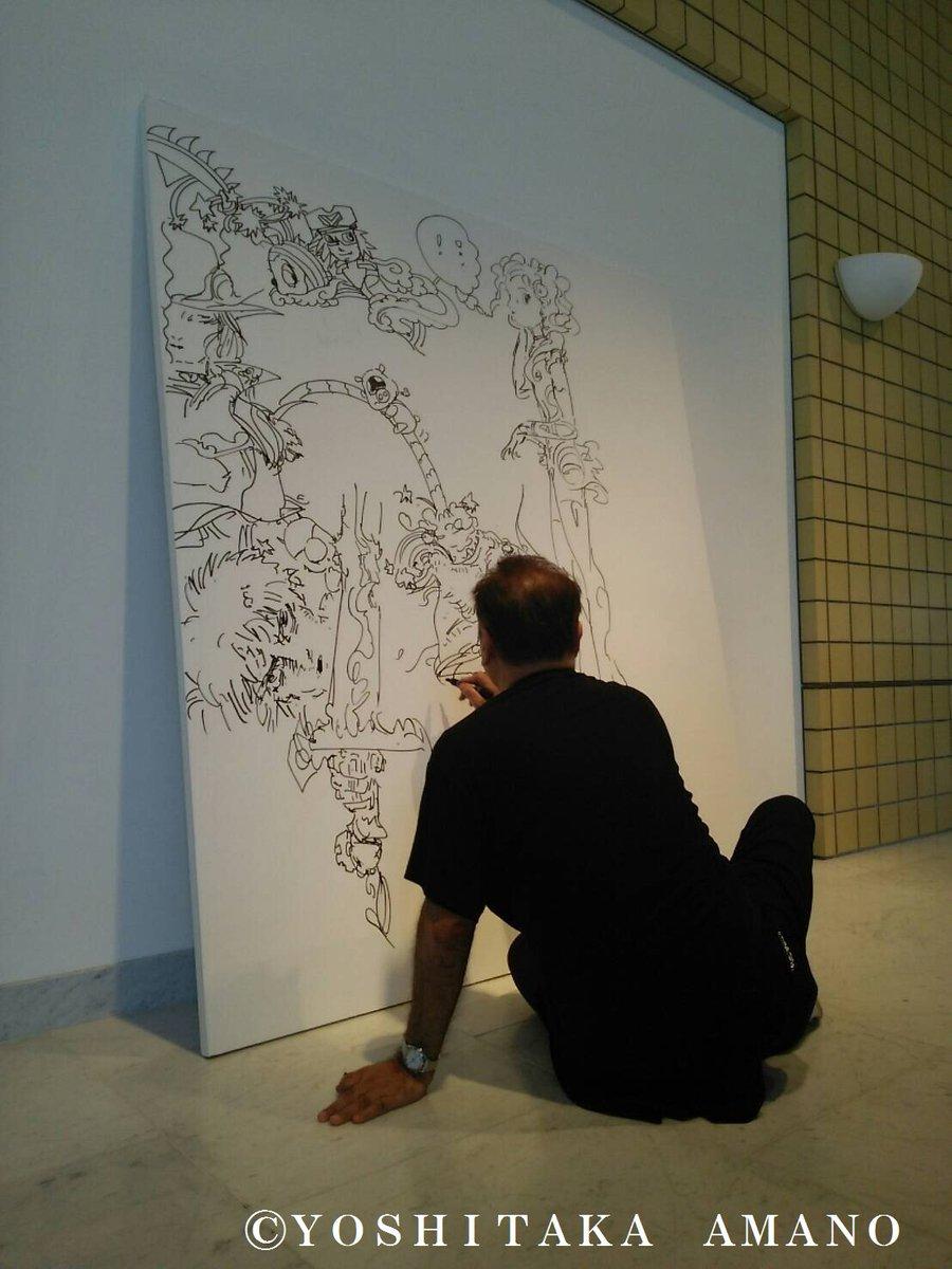 【6/19(日)スタート 天野喜孝展@新潟市新津美術館】  本日、設営のためご来場の天野先生が、なんと新潟展のためだけに即興で作品を描いてくださいました!一体どんな作品に仕上がるのか、ぜひ会場でご覧になってください