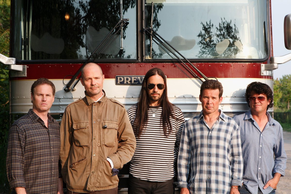 CBC & The Tragically Hip bring final Man Machine Poem show to audiences worldwide August 20: https://t.co/94aUILFhDv https://t.co/2LruRiq2l5