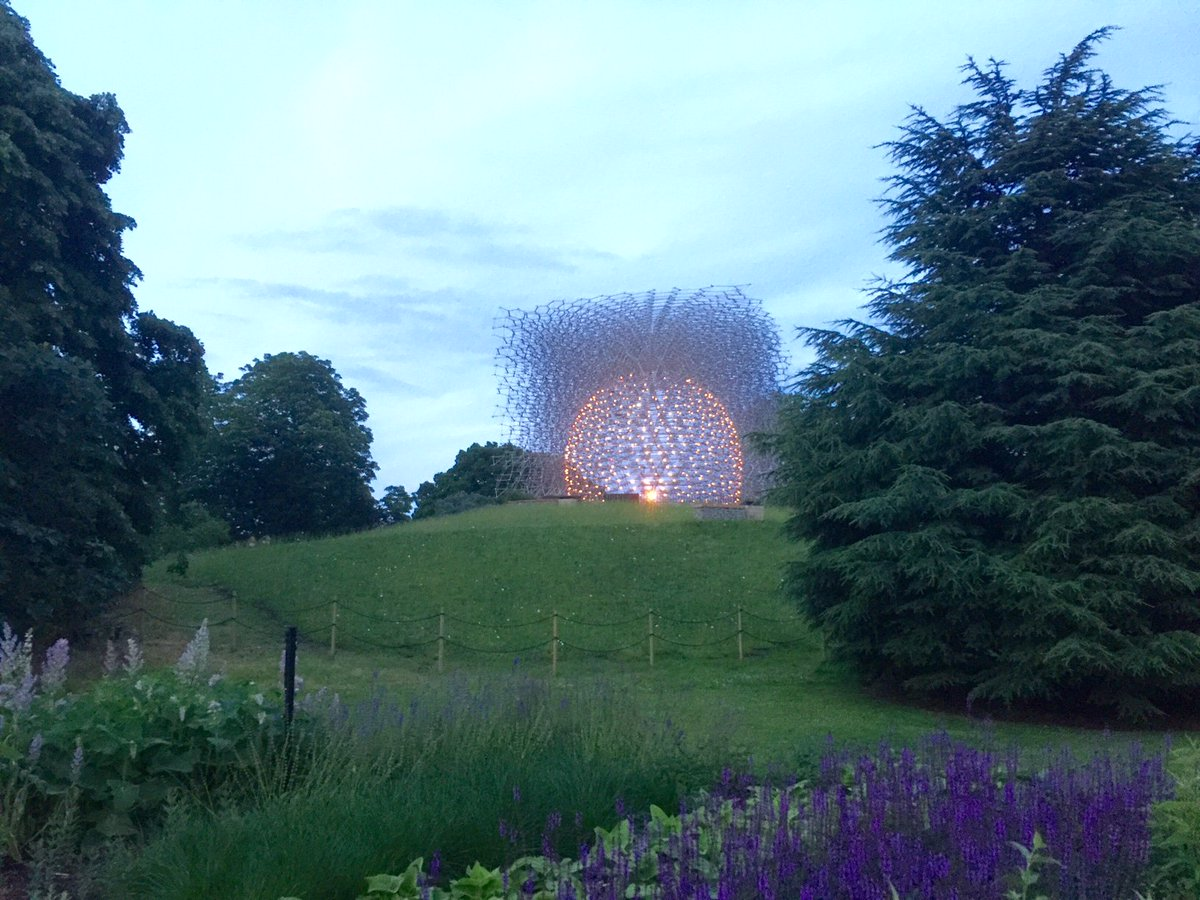 Last chance to follow & RT for chance to win tickets to Kew to see the amazing #KewHive https://t.co/RBTZDFfsOk https://t.co/iOQVI6vBxP