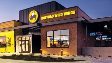Buffalo Wild Wings stock plunges after lowered expectations https://t.co/iOOEj77r69 @WingsBuffalo https://t.co/4IEr9VxF25