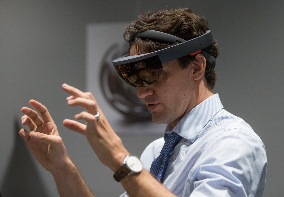 An honour to have @JustinTrudeau help us launch @MicrosoftVan. #hololens https://t.co/rONp9l1t4W #AccelerateCanada https://t.co/8MT7wGJlpI