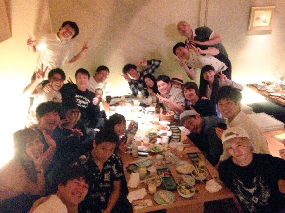 昨夜ついに…北海道会が開かれました!  加藤浩次さん大泉洋さんタカトシさん大黒摩季さんGLAYさんw-inds.さんなど他沢山の方々… 吉村さんが一人一人に声かけて下さって、 こんなに集まりました