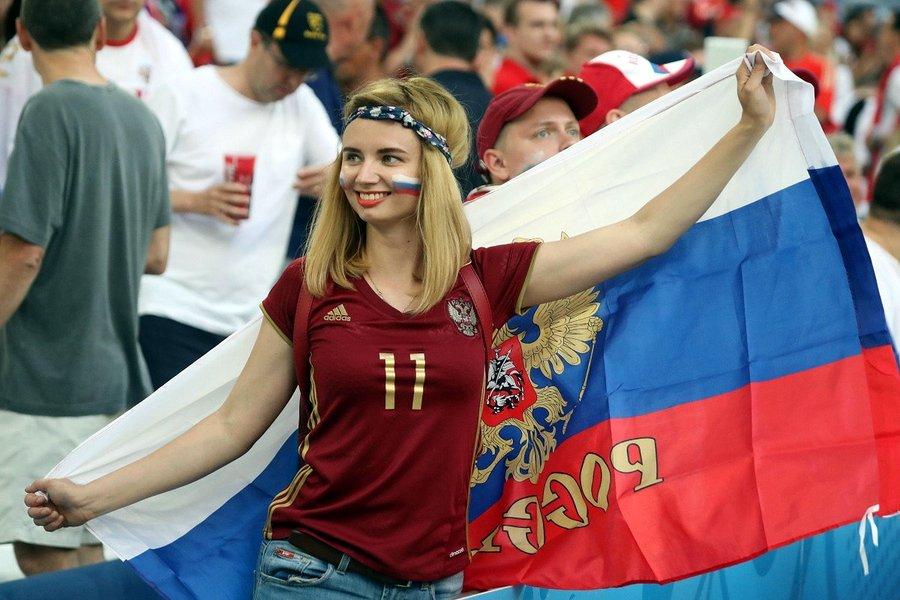 Чемпионат Европы по футболу 2016 - Страница 8 ClOMEc9XEAA6gkP