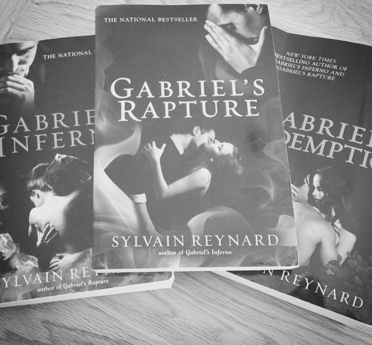 Those are just amazing by the way!! @sylvainreynard ❤️ #NeedToFindAnotherBookToRead https://t.co/JxpXH34IsB