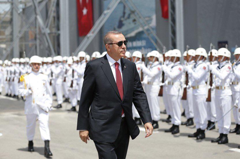 """""""Türkiye'nin savunma sanayi ve askerî konularda atalete düşme lüksü yoktur"""""""