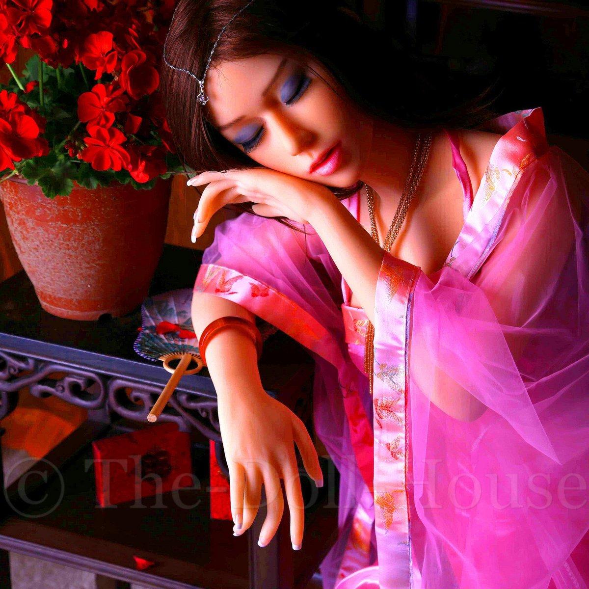 Oriental sex doll