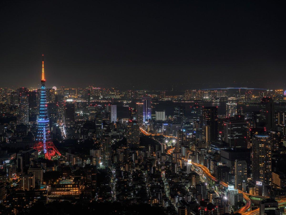 とても暑い一日だった今夜の夜景。久々に雲が無い夜景です。カメラ:OM-D E-M1 pic.twitter.com/F4hlYg5zX5