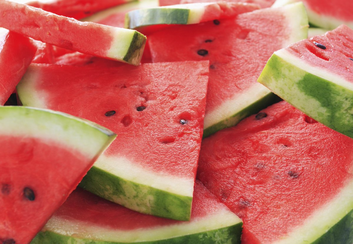 When thirsty, reach for a slice of watermelon--it provides hydration + Vitamins A and C! https://t.co/Pdd9UMuAK8