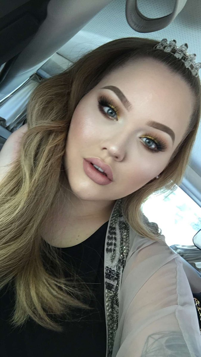 5915bfeda16 NikkieTutorials on Twitter: