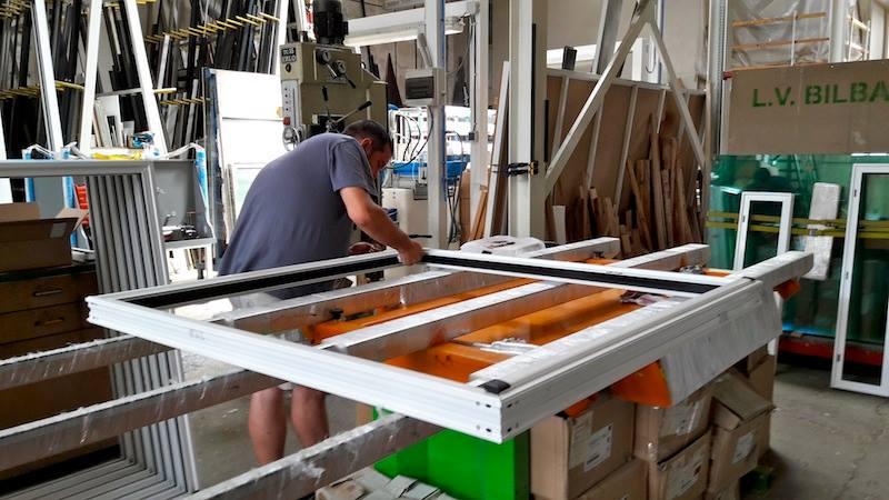 iniciada la fabricacin de las ventanas technal para el colegio santa ana de fraga