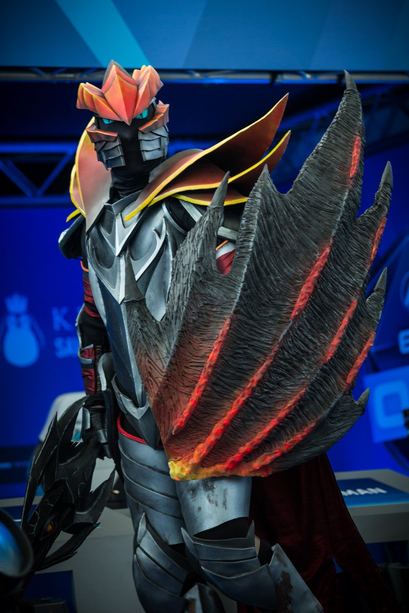 Esl Dota2 On Twitter A Knight In Dragon S Armor Eslone Eslonecosplay Tanakhto The dragon knight trope as used in popular culture. armor eslone eslonecosplay tanakhto