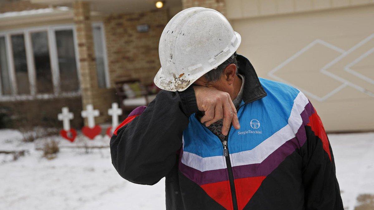 Retired Illinois carpenter Greg Zanis has made about 15,000 crosses erected at crime scenes https://t.co/FVjdlJK1Dc