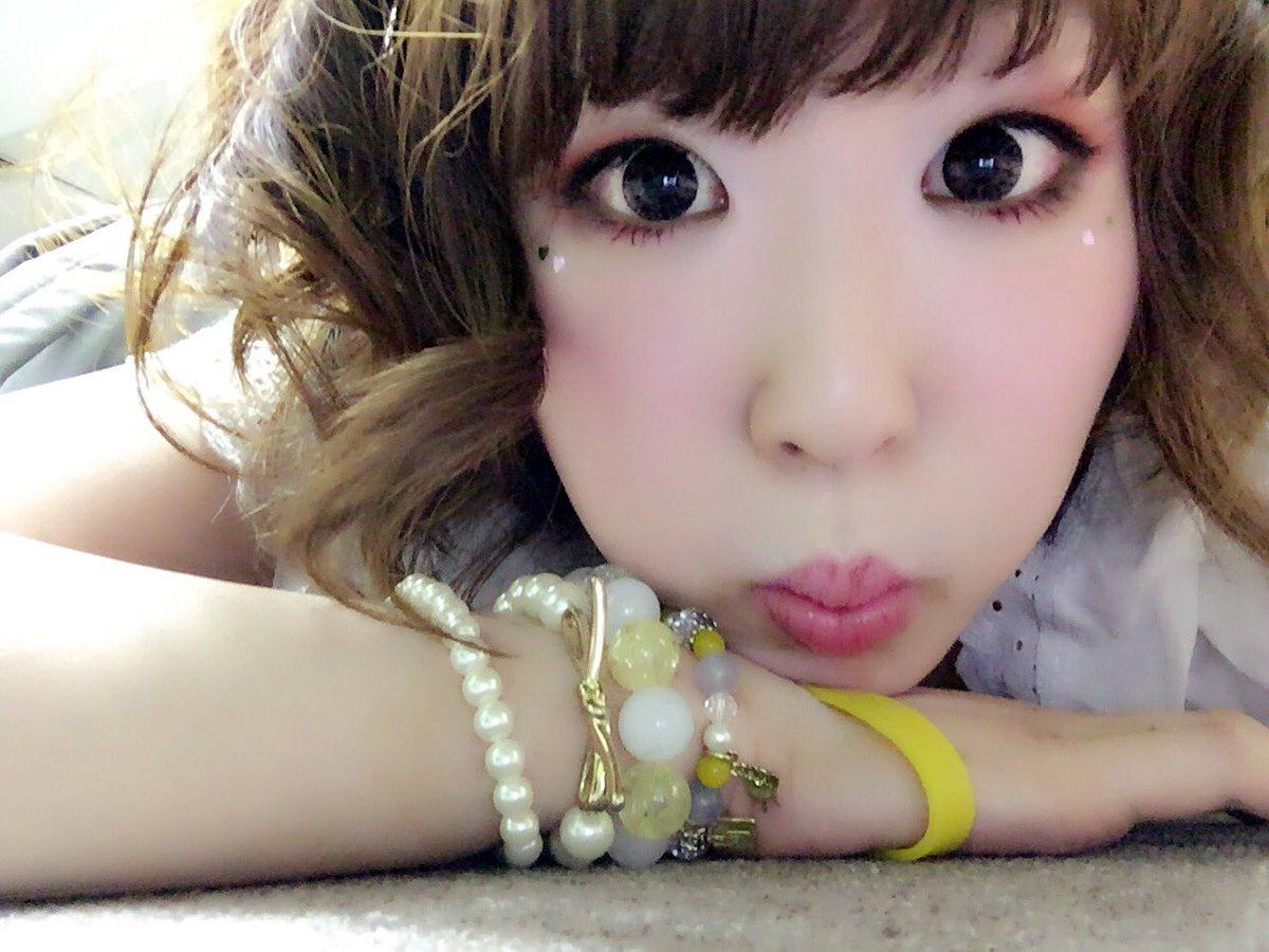 今日は朝からライブありがと!7/18上野音横丁での主催ライブをもって渋谷P.Rを卒業します!お別れでなく新たなスタートなのでこれからもよろしくね!たくさん渋谷P.Rの逢雨エリーをみてほしいです◎「悲観的狂詩曲」聴いてね!ありがとう