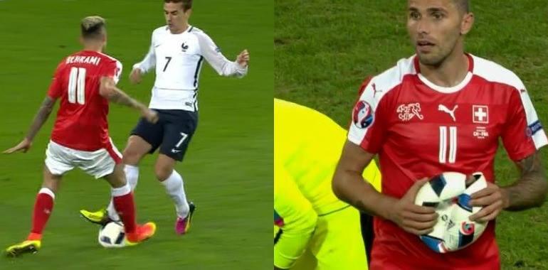 Euro 2016: FRANCIA SVIZZERA con magliette rotte e un pallone sgonfiato (VIDEO)