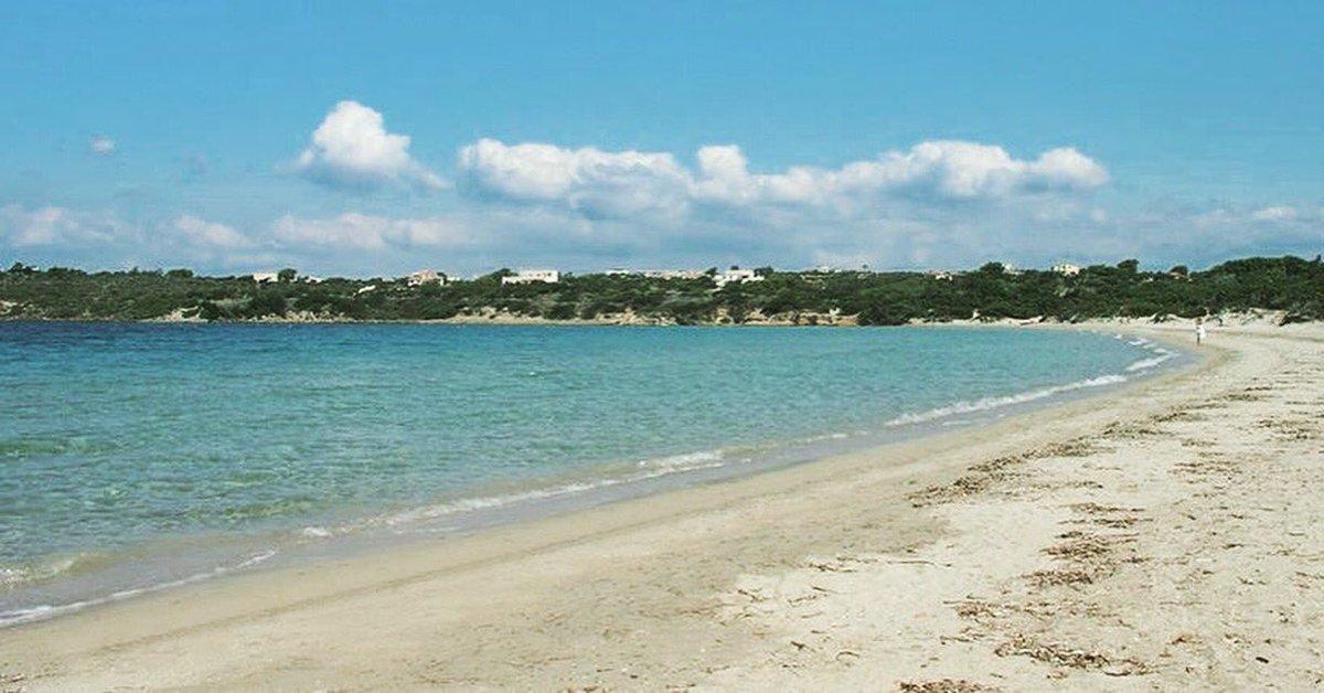 Rubano la sabbia della spiaggia in Sardegna