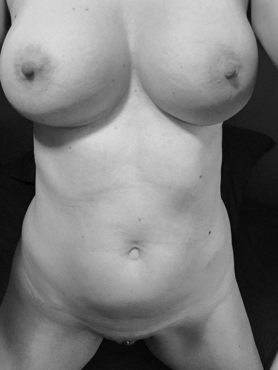 Nude Selfie 6360
