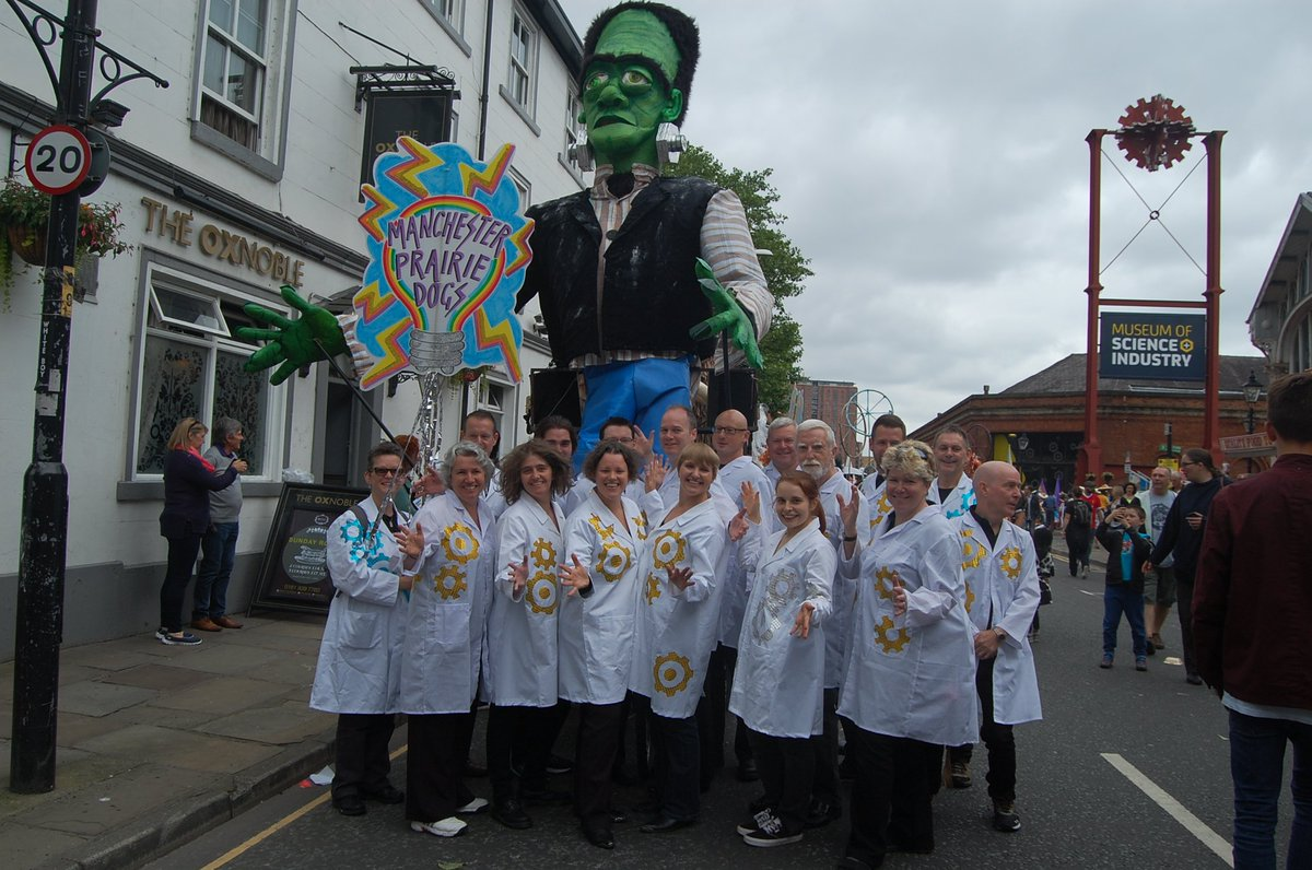 Many thanks to Brian & great folks at @walk_the_plank_ for our excellent costumes & Frankenstein monster! #McrDay16 https://t.co/BfV2YIscez