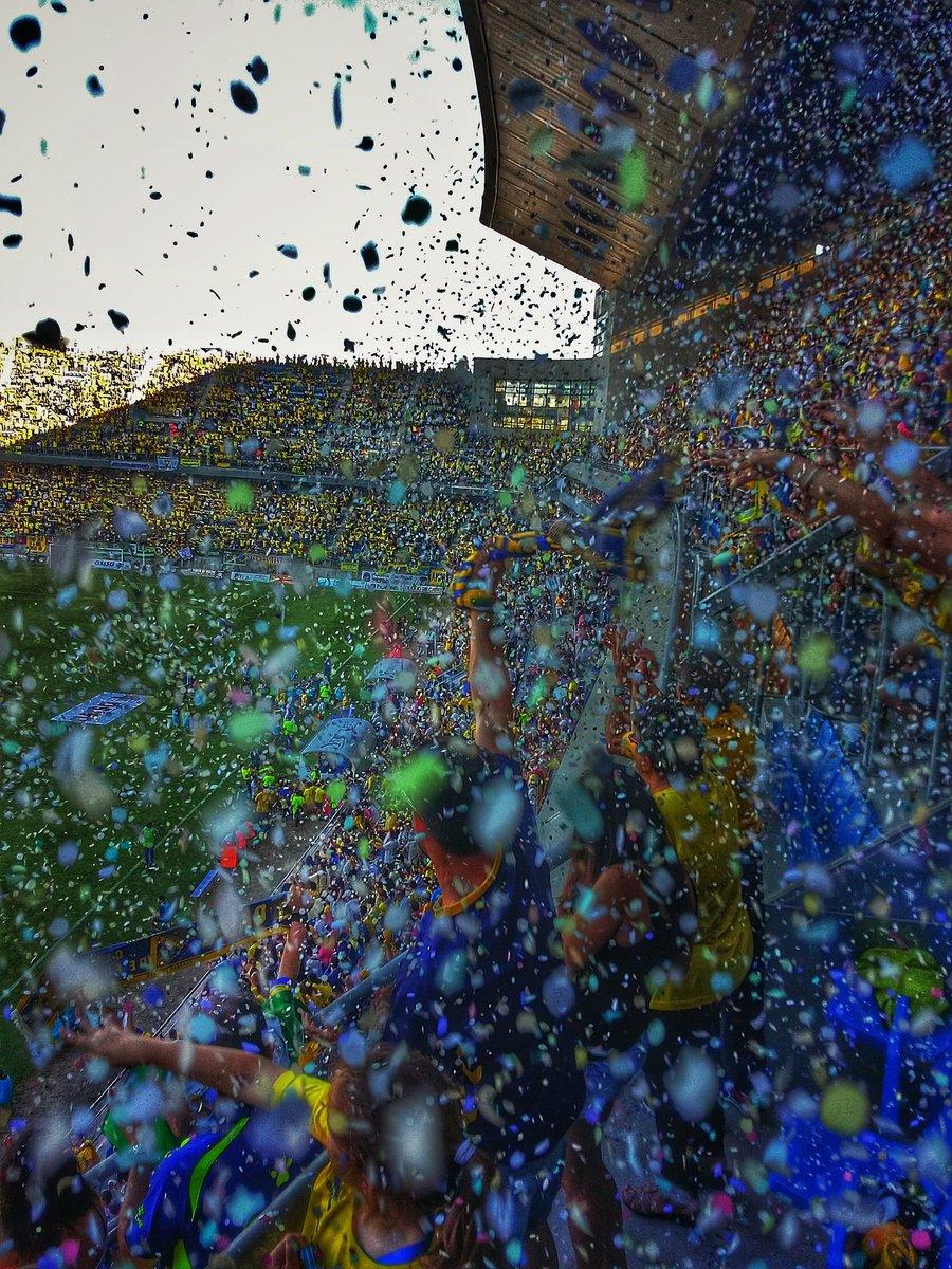 Vivimos el fútbol a nuestra manera...  90 minutos para la gloria. #YoCreo https://t.co/TEsj0DWSRp
