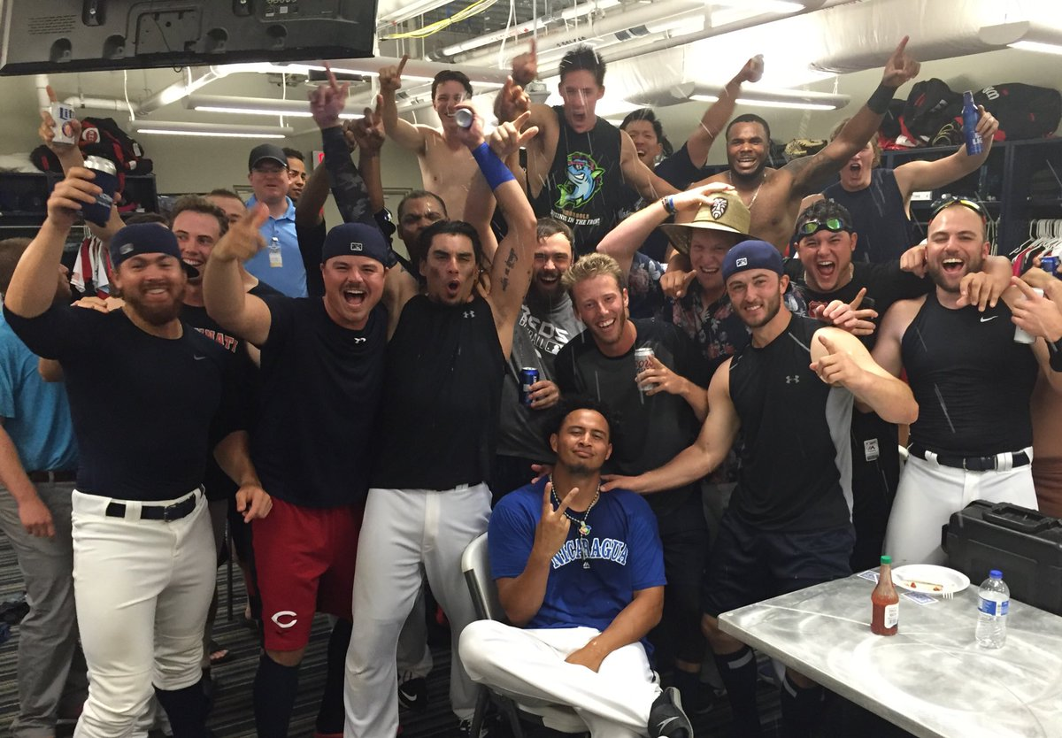 Your 2016 @SLeagueBaseball South Division First Half Champions! #wahooslife https://t.co/YA6oHpIBOk