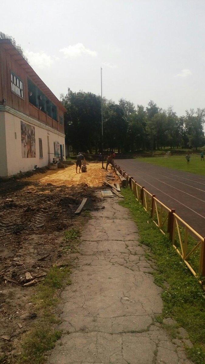 Начаты работы по асфальтированию покрытия муниципального стадиона