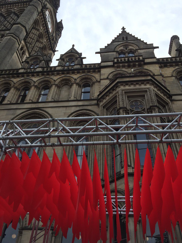 Groundbreaking art installation of national smartphone study: digital data becomes physical @OfficialUoM #McrDay16 https://t.co/aQkli1ypT0