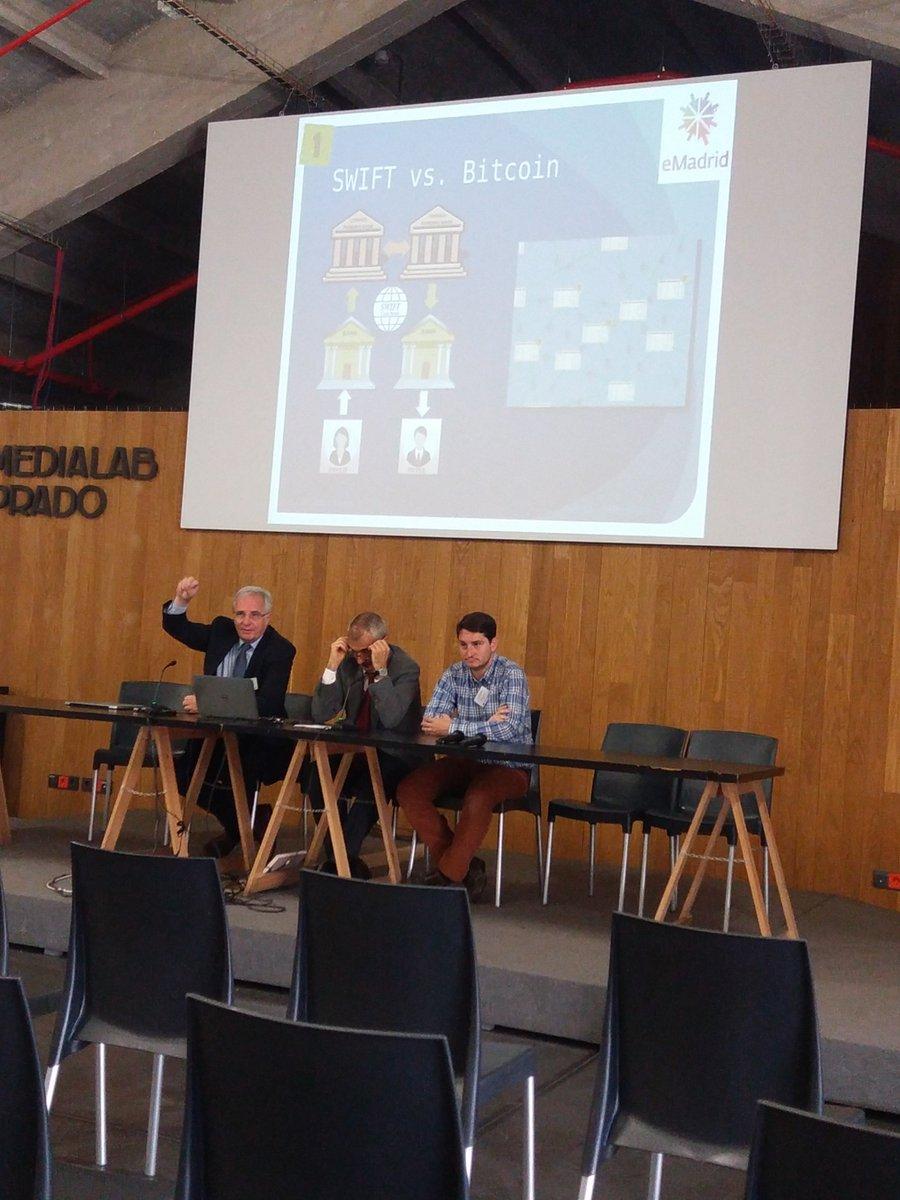 "@emadridnet ""Unbundling education"" Presentación en @medialabprado https://t.co/z3Mbil6ahL"