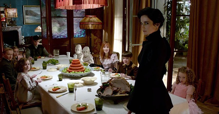 New Miss Peregrine's Home for Peculiar Children Trailer Revealed 1